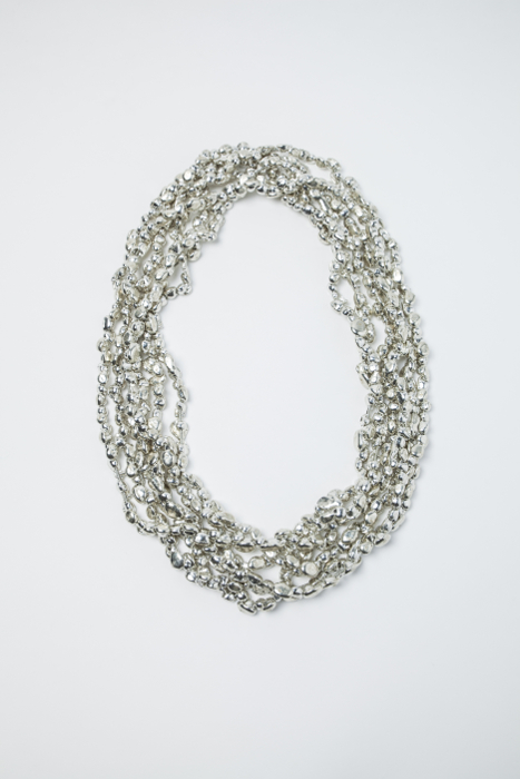 Tin pearl necklace